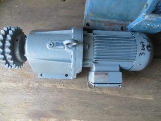 мотор-редуктор 3 киловатта б.у.