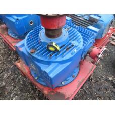 Редуктор червячный  ЧР 250. Понижение 1:5.FLENDER CFW-250. 5175 Nm