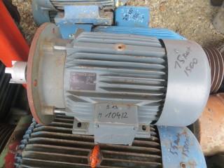 Электродвигатель 15 киловатт .1475 об.