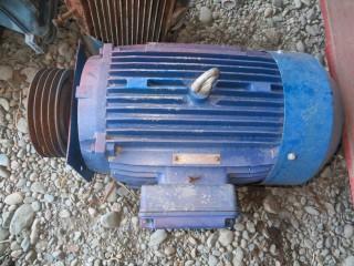 электродвигатель 30 киловатт б.у.