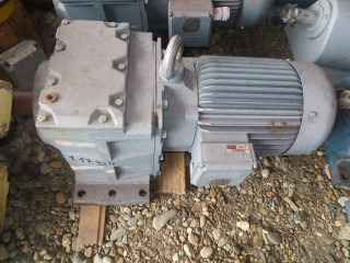 Мотор-редуктор 11 киловатт. Немецкого производства.