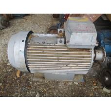 электродвигатель 200 киловатт 1480 оборотов в мин. Асинхронный. Бывший в употреблении.