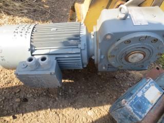 Мотор-редуктор 3.0 кВт транспортера зернопродуктов.