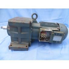 """Мотор-редуктор """"Bauer"""" 2.2  кВт 50 оборотов в минуту. Лаповый. Бывший в употреблении."""